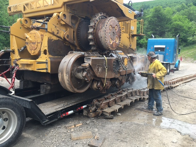 heavy haul cat d11 wash